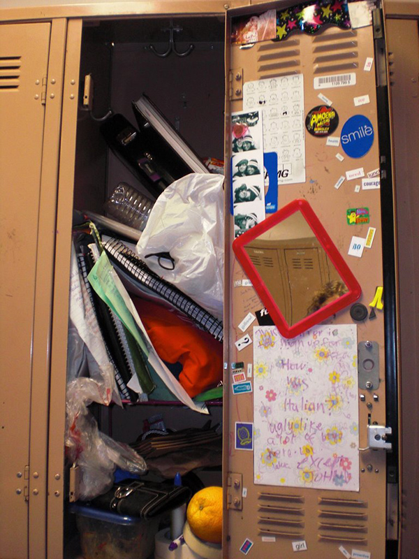 messy-locker